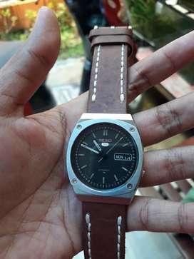 Jam tangan seiko 5  automatic 7009-8370