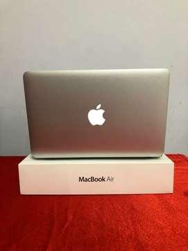Macbook 11inc i5