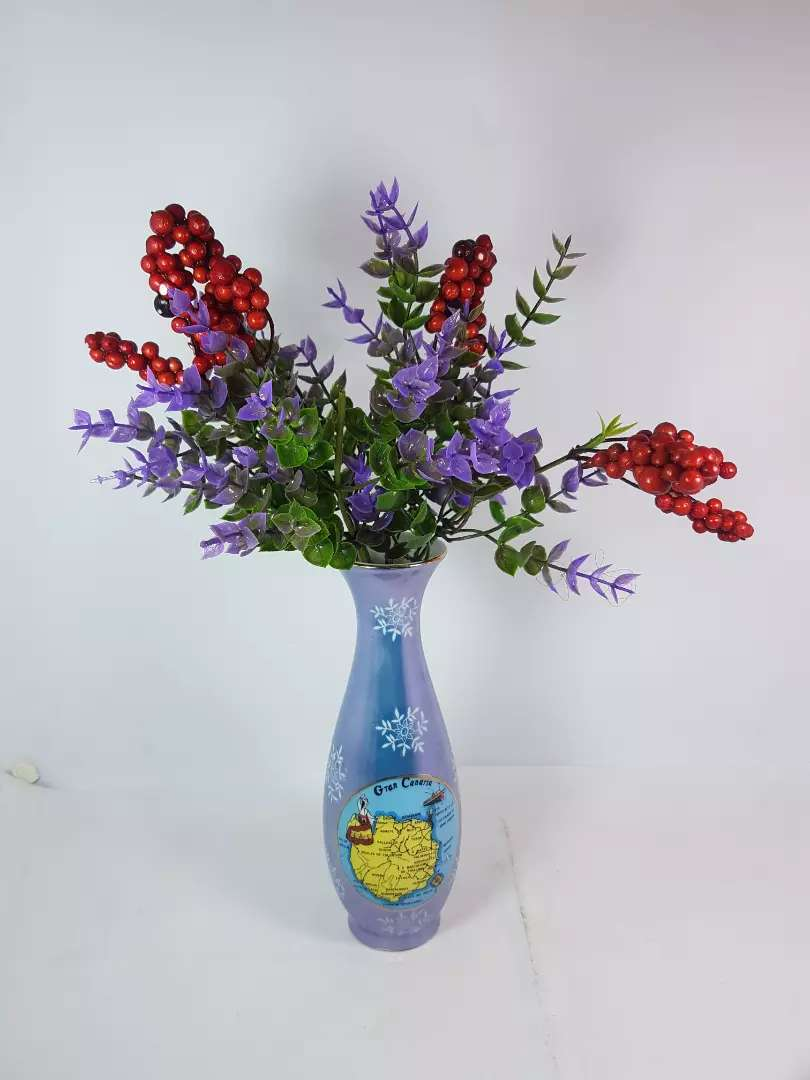 Flowers Vase Beautiful and Attractive