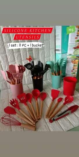 Utensil silicone 11 pc plus bucket