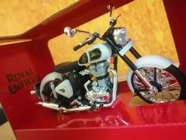 Diecast Bike Model (Only White) 1:12 Scale Royal Enfield Classic 350