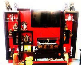 Sparkling red and mahogany wood showcase