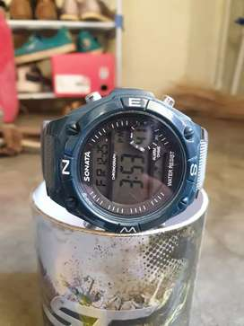 Sonata SF digital watch brand new condition
