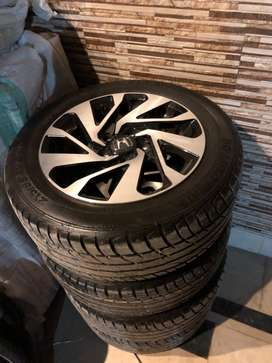 Genuine civic rim/wheel and tyres