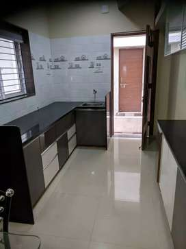 3 b h k flat for rent near ganesh ..anand