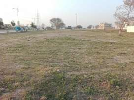 1 kanal plot for sale in police foundation