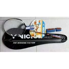 Ingat olahraga meski di rumah badminton solusi nya raket yonex victor