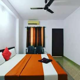 Guest house for rent 12 ac rooms