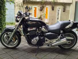 Moge Honda x4 1300