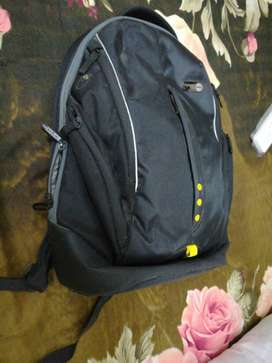 Targus Laptop Bag specially for Dell 15.6 inch.