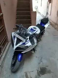 R15 , Colour Blue and White Limited Edition.