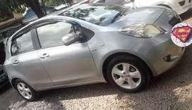 Toyota Yaris 1.5 E Manual thn 2008 warna silver metalik. Unit okee