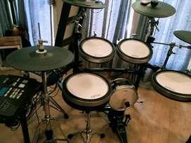 Drum Elektrik Yamaha DTX 750