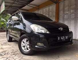 Innova G AT diesel 2010