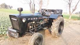 Black ford 3600 , power steering optional