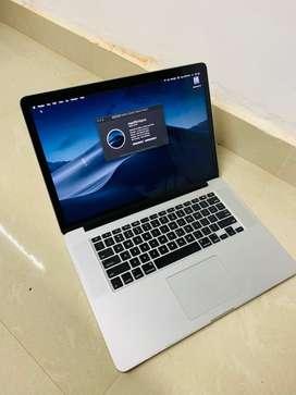 Macbook Pro 15 inch 2015 core i7 16 gb ram 256 ssd