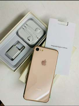 iPhone 7 gold in new condition