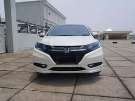 Hrv Prestige 1.8 at 2016 putih bisa tt jazz yaris