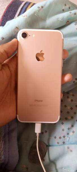 Very Good condition iphone7 Rose Gold 32 GB