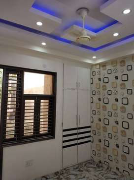 DELHI gurgaon on road 3BHK with lift car parking CALL noww