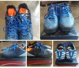 Sepatu sepakbola