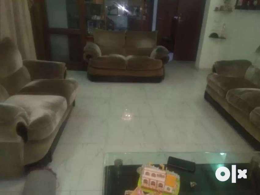 Sofa for sale in velvet , 7 years old.. 0