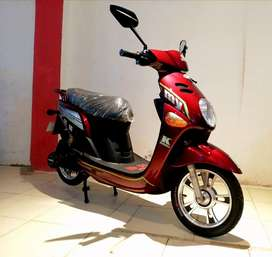 Brand new 2020 automatic electric scooter available girls Scooty