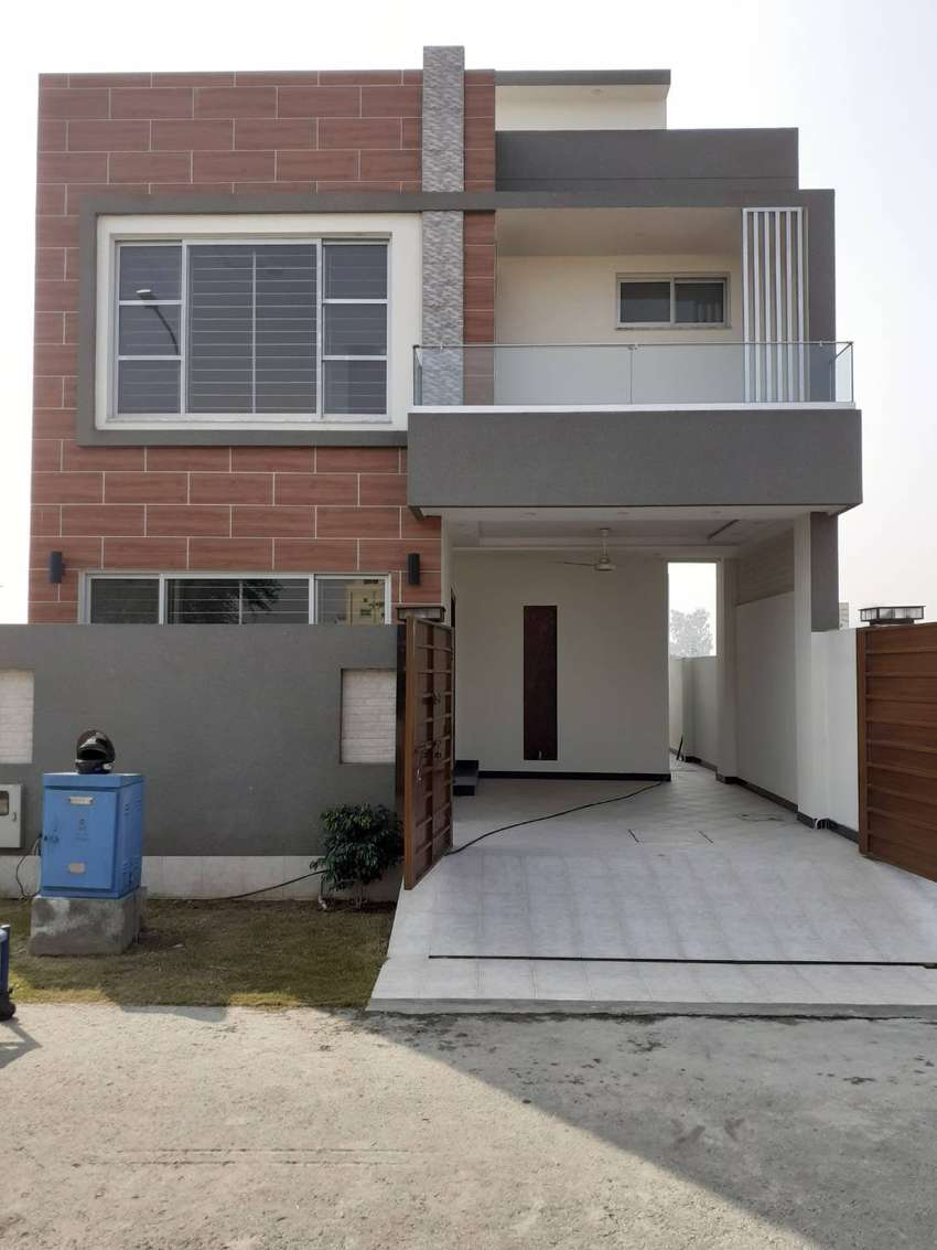 DHA 9 TOWN 5 MARLA BRAND NEW HOUSE FOR SALE 0