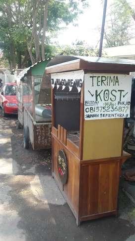Lowker loker jaga stand kebab dan di warung penyet