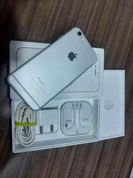 iPhone 6 mint condition 64gb silver with box and all accessories