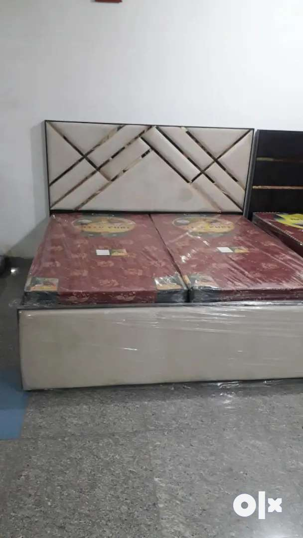 New luxurious king size bed 0