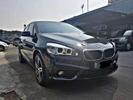 BMW 218i 2015 low KM!