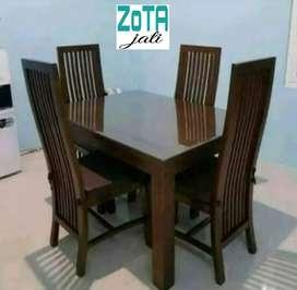 Meja makan 4 kursi modern elegan jati kering perhutani asli Jepara