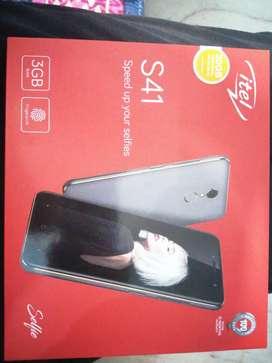 itel s41 (4GB, 3Gb RAM, fingerprint, 32 GB storage)