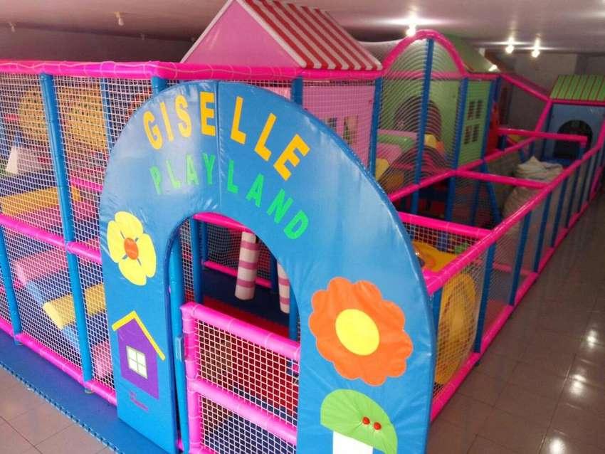 Playland Indoor 0