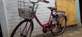 BSA LADYBIRD SHINE PINK COLOUR 24 inch ALMOST NEW CONDITION