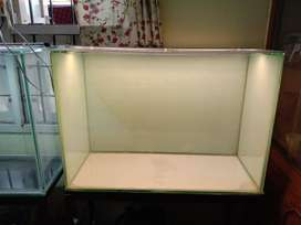 Brand new 3 feet tank with iron stand top and light