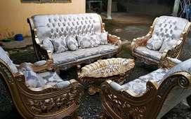 Sofa mewah ruang tamu