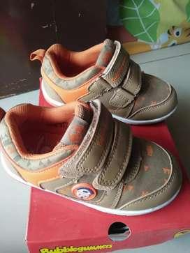 Sepatu mulus anak
