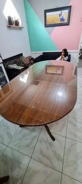 Meja Makan untuk 5 orang
