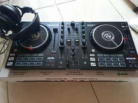 DJ Numark Mixtrack Pro FX DJ Controller