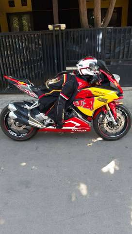 Dijual Motor Honda CRB 250 RR