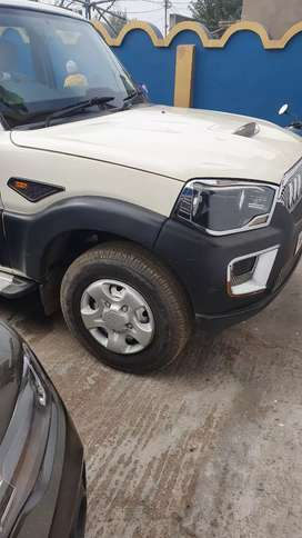 scorpio s2 in full new condition tax paid upto2024