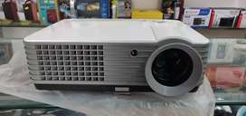 Unic led projector 150 to 200 inches screen play size