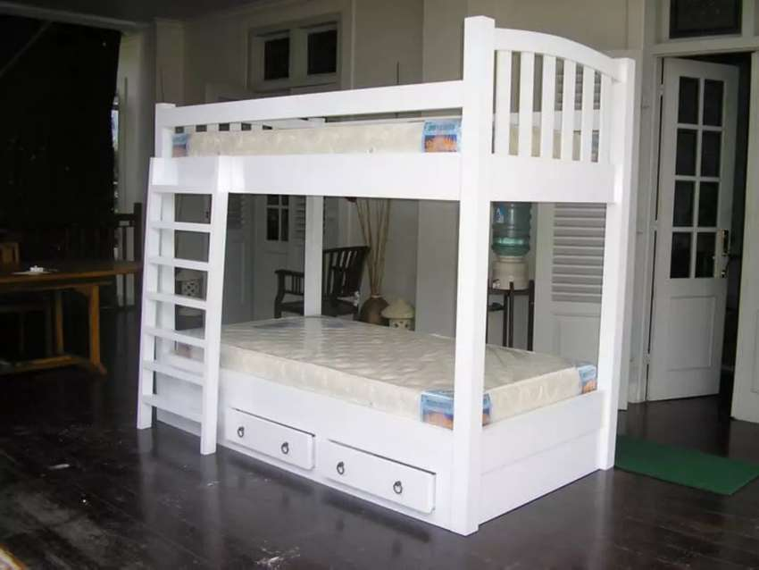 Tempat tidur tingkat kayu solid jati akasia