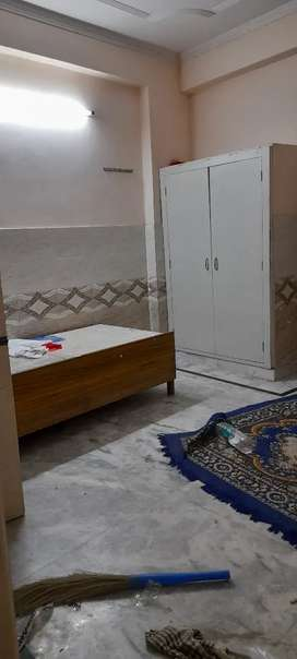 One room set with balcony for rent