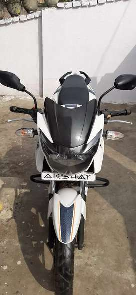 Highly maintained Apache RTR 160 Dual disc single handed bike.