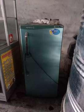 Ahlinya service freezer box Kulkas mesin cuci kompor gas tanam murah