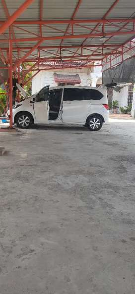Rental mobil freed