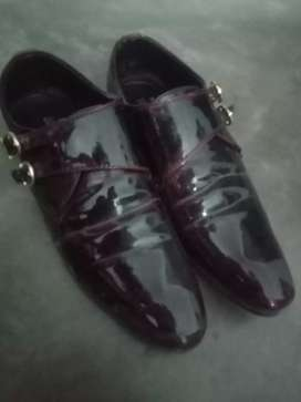 Red shiny shoes